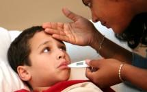 Những sai lầm kinh điển khi hạ sốt cho trẻ